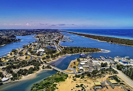Lakes Entrance a Top Town